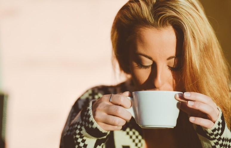 como afecta el cafe al esmalte dental